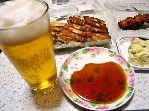 ビールと餃子と唐揚げとポテトサラダ