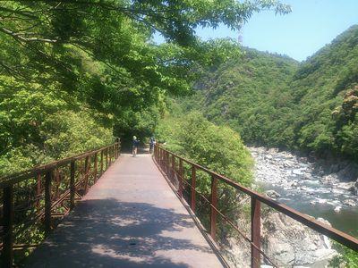 武田尾廃線ハイキングコースが始まる